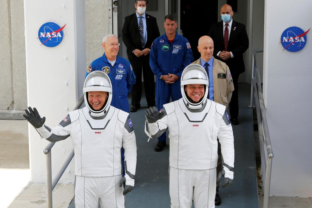 запуск Dragon Crew на МКС