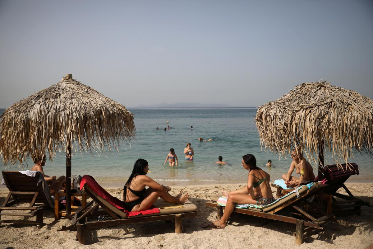 пляж Греции после карантина